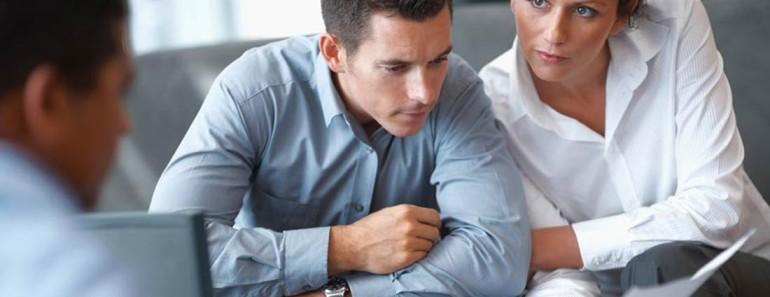 nagłówek - mężczyzna na spotkaniu